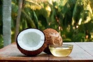 Como eliminar los piojos y liendres con aceite de Coco tratamiento