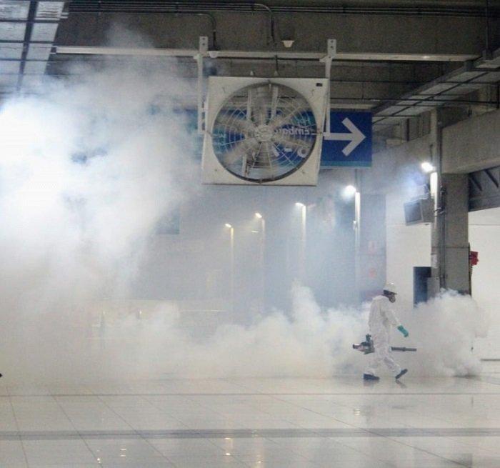 fumigacion y limpieza en la municipalidad de lima peru coronavirus covid-19